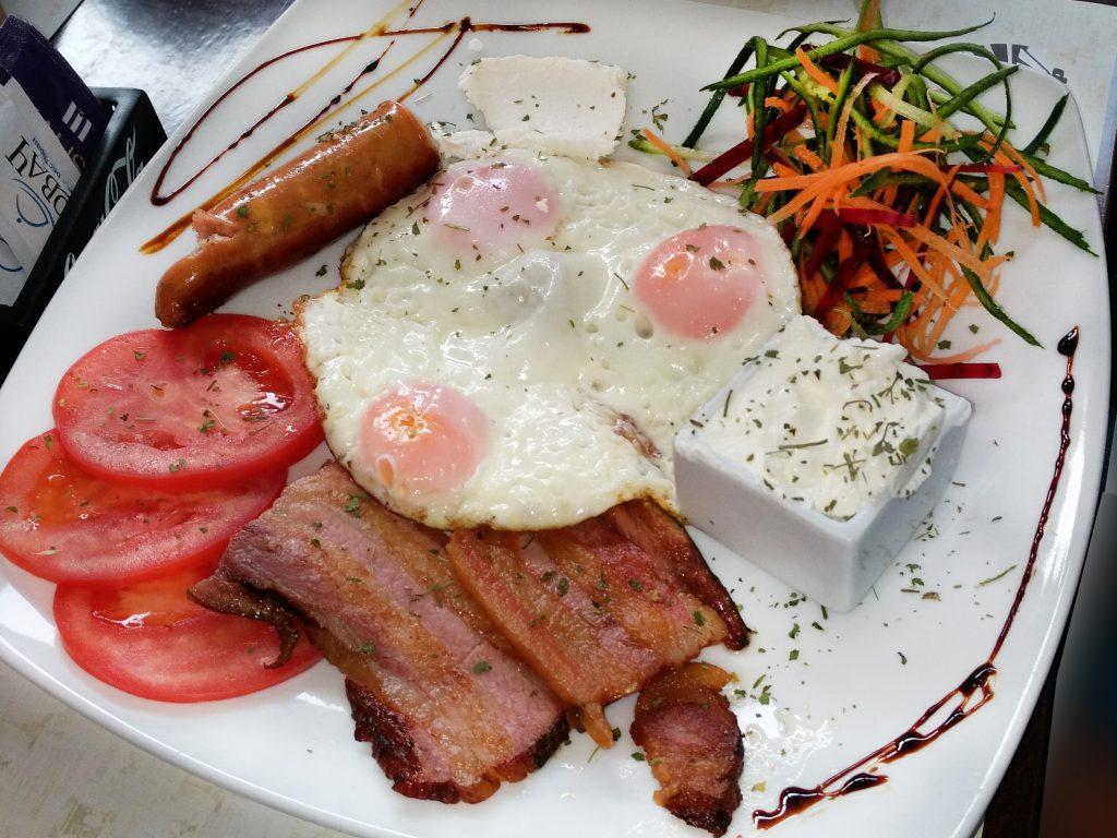 Doručak u restoranu Kovač